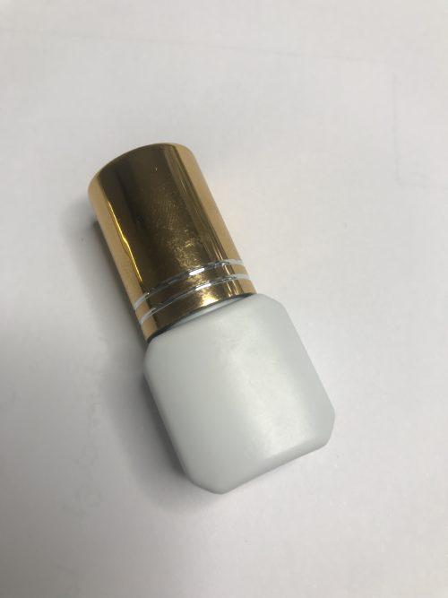 Strong Eyelash Glue